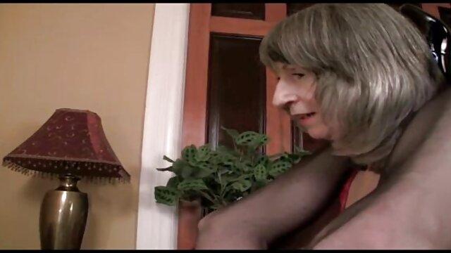 この売春婦は誰もが狂っ運転します 女性 無料 エッチ